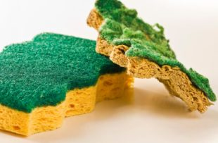 Old and new sponges for household cleaning.